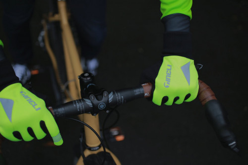 Yellow Winter gloves reflectors